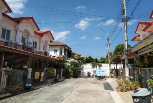หมู่บ้านเดอะคอนเนค